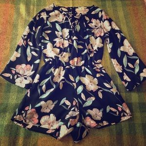 Decree, Medium floral long sleeve ROMPER